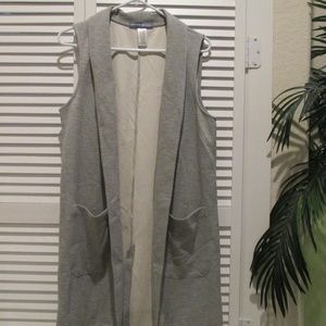 Signature Weekend long gray vest
